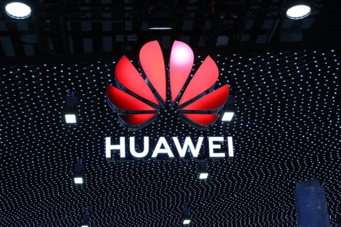 Les États-Unis lèvent en partie les sanctions imposées à Huawei